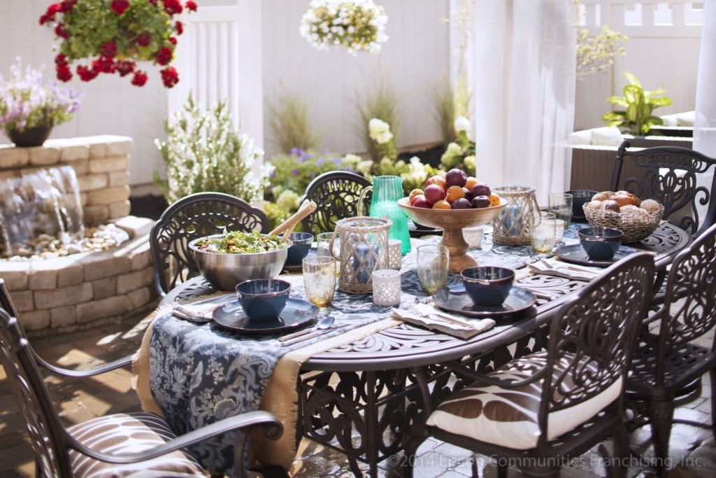 Epcon_Courtyard_Lifestyle_Dinner_Table