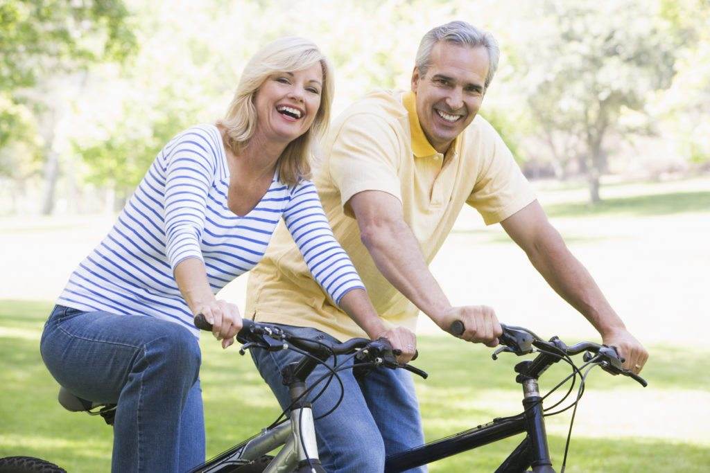 Lifestyle_Stock_Couple_Bicycle_8166807
