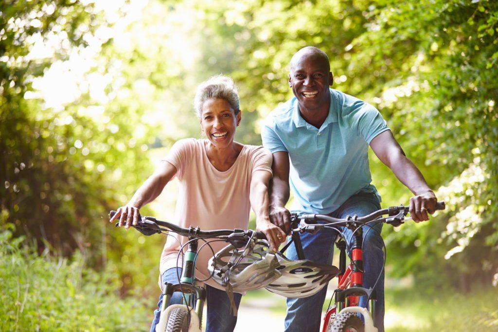 Lifestyle_Stock_Couple_Bicycles_58897104