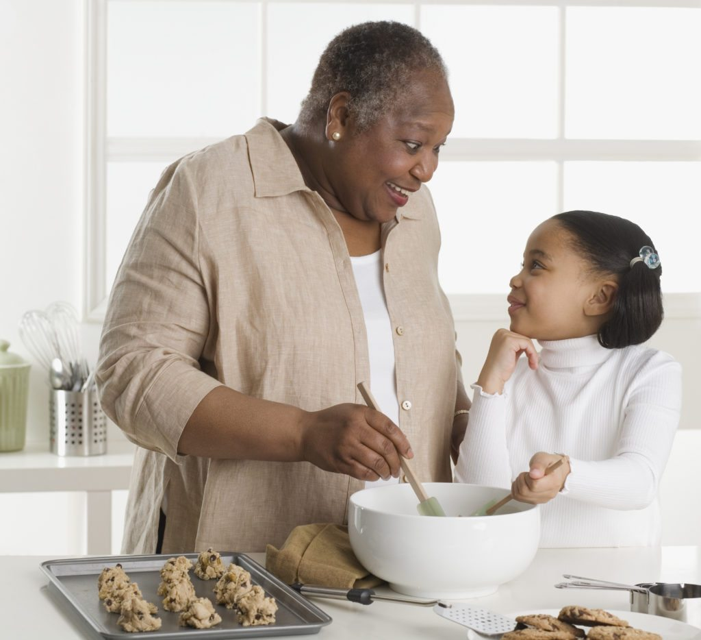 Lifestyle_Stock_Grandmother_Granddaughter_Cooking_39627247